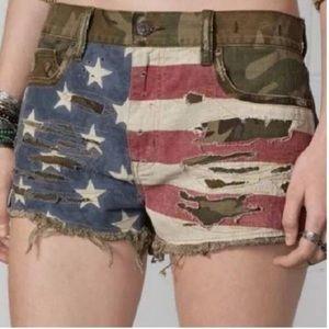 Ralph Lauren Camo Flag shorts